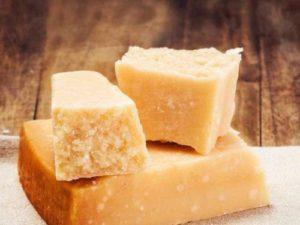 Как нужно хранить сыр пармезан