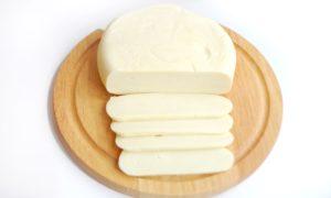 Как правильно хранить сыр сулугуни в домашних условиях