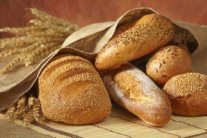 Можно ли хранить хлеб в холодильнике